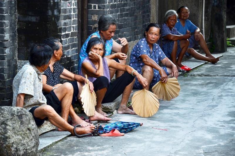 村口 岁月如流水.jpg