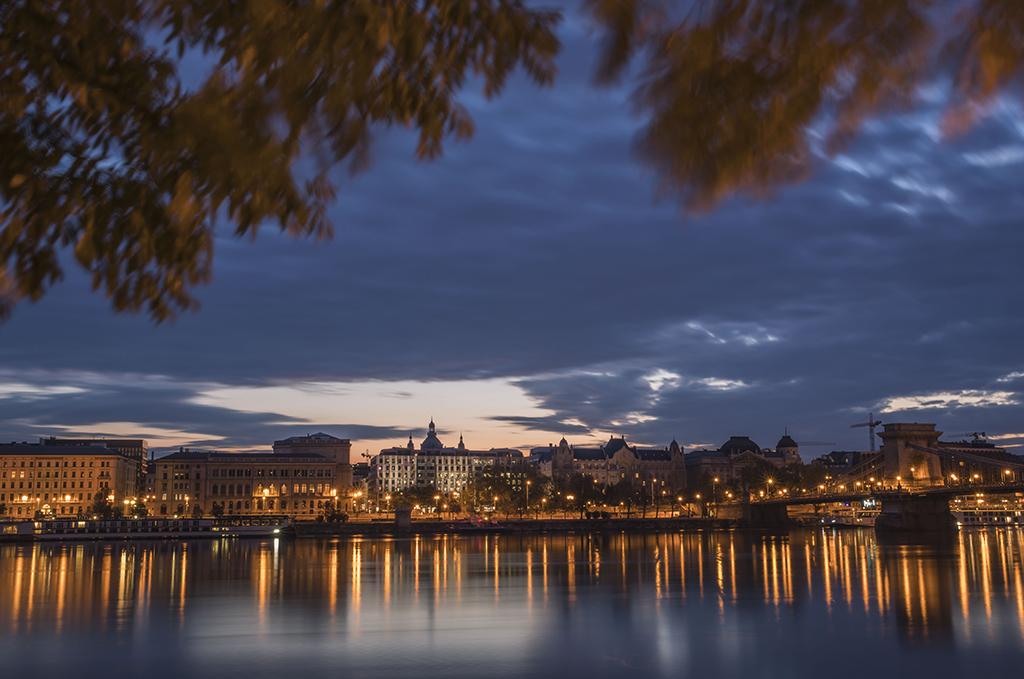 晨光下的布达佩斯