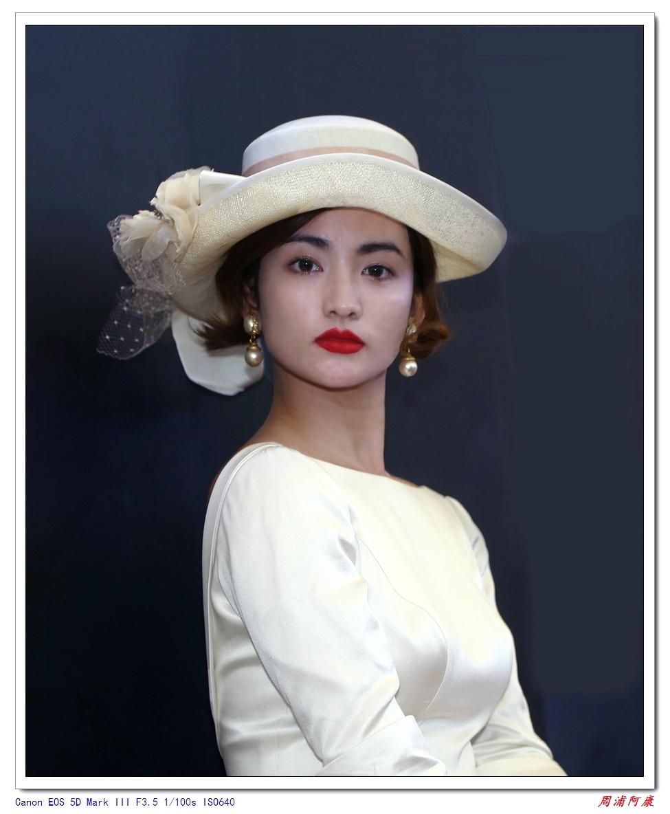 第33届婚纱摄影器材展拍模特