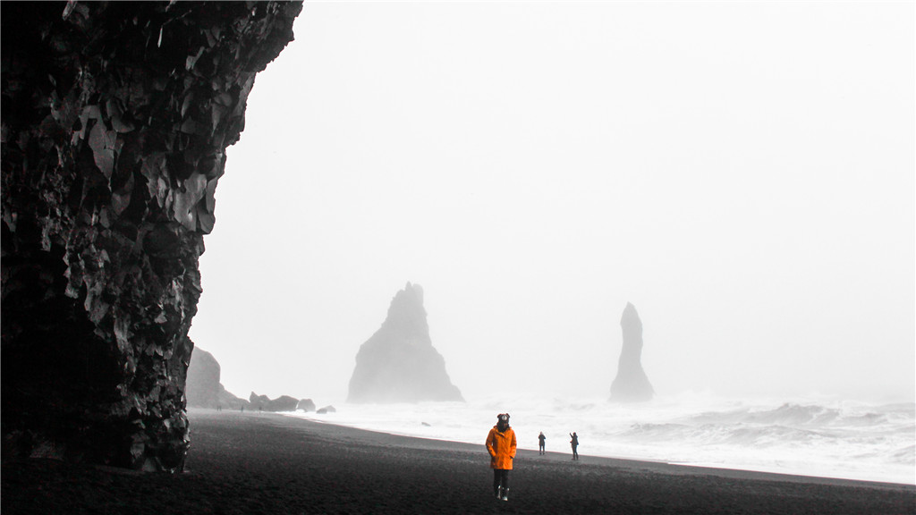 黑沙滩 客人.jpg