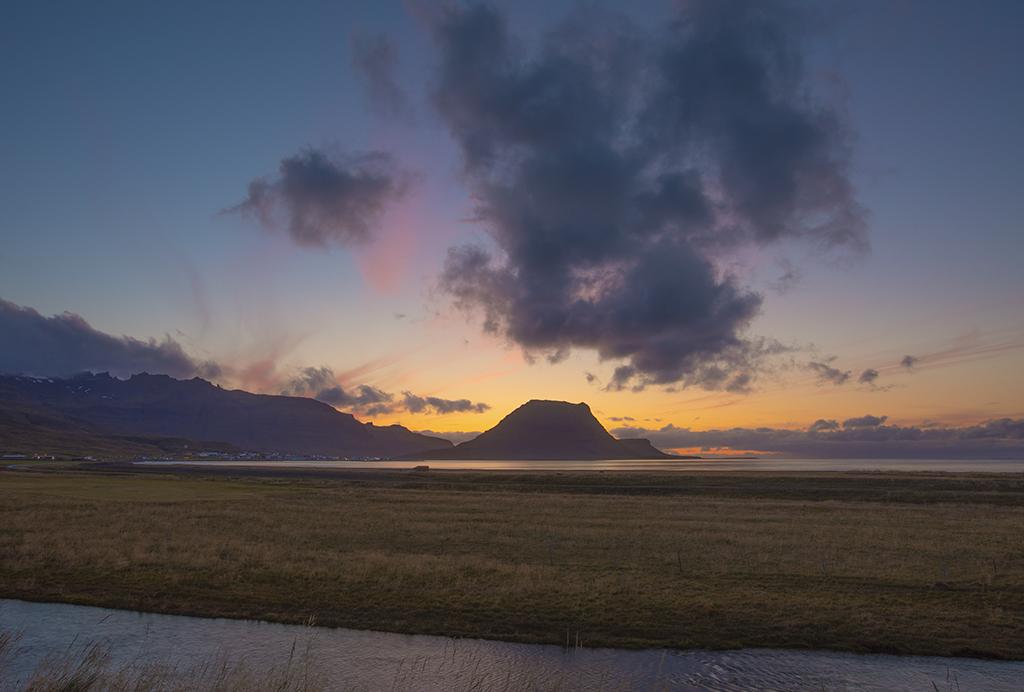 (冰岛)草帽山