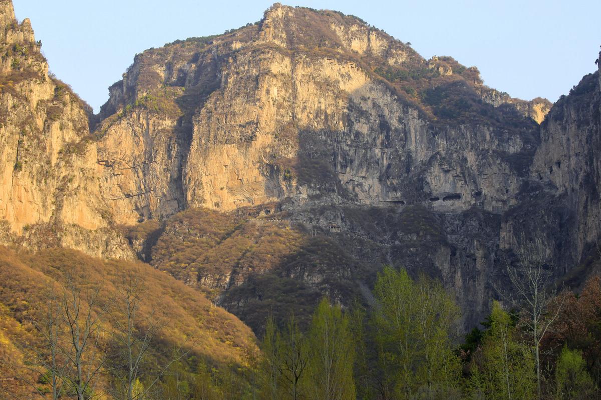 太行山之旅--登高观锡崖沟景色.2