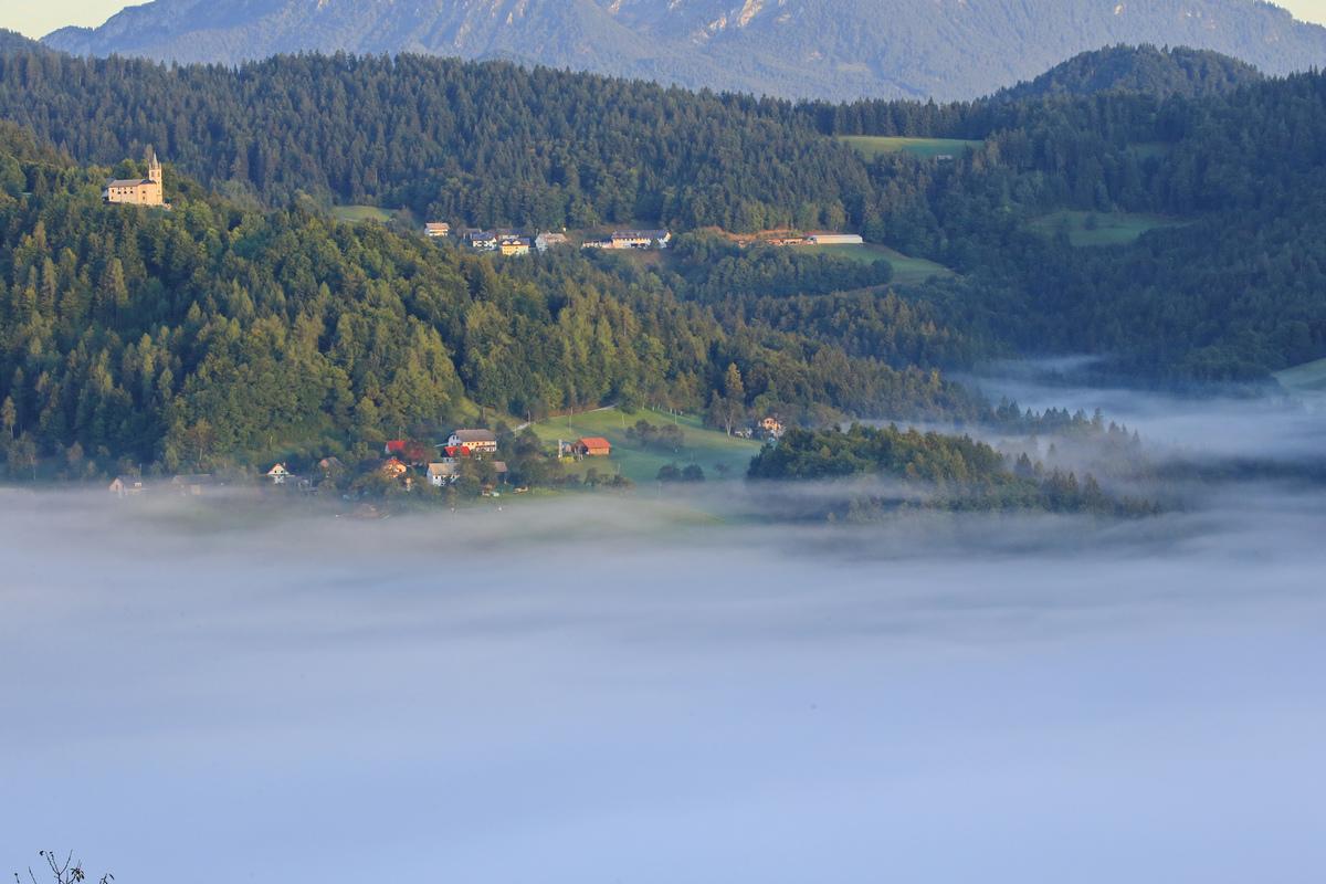 斯洛文尼亚--嗄伯罗斯巴科德山的晨雾.3