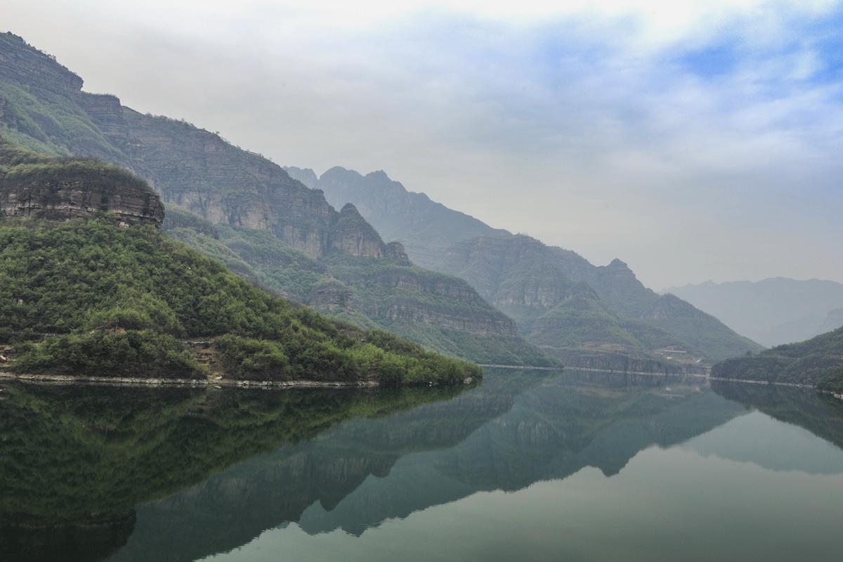 太行山上的明珠---平湖.1